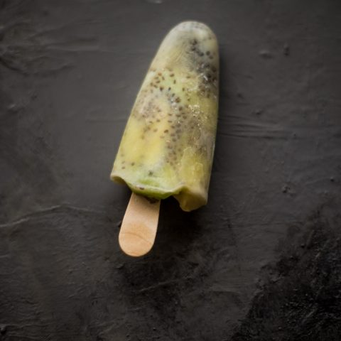 Popsicles_chia_kiwi