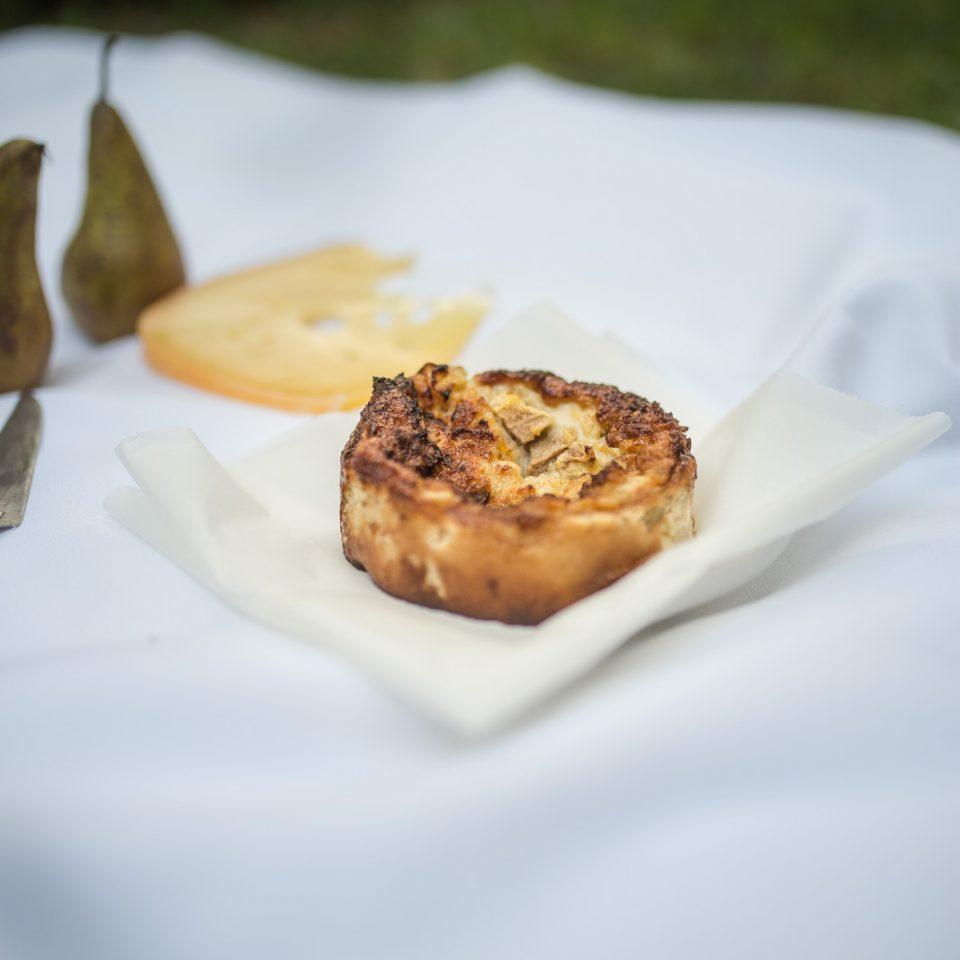 Pastel de queso y peras